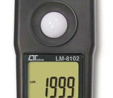 LM8102